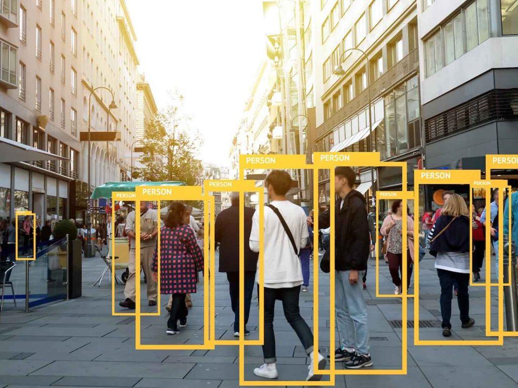 Il sistema di sorveglianza domestica definitivo: rilevamento di persone con IA locale gratuito 2