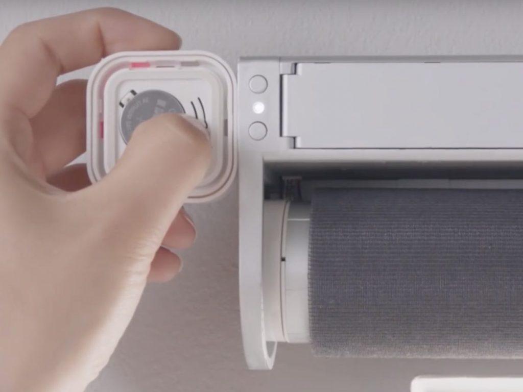 Tende a rullo motorizzate? IKEA Fyrtur vs Zemismart Solar / Batteria vs DIY!